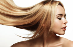 Blonde avec le long cheveu Photographie stock