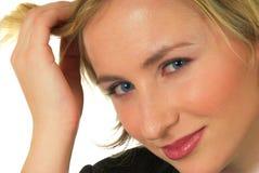 Blonde behaarte junge Frau Lizenzfreie Stockfotografie