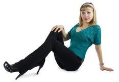 Blonde bonito em uma camisola azul Foto de Stock
