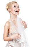Blonde Braut mit einem Schleier. Lizenzfreie Stockfotografie