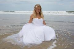 Blonde bruidvrouw stock afbeelding