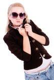 Blonde Charming nos óculos de sol Foto de Stock Royalty Free
