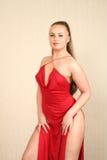 Blonde Charming in vestito rosso Fotografie Stock Libere da Diritti