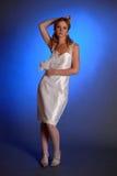 Blonde dans la robe de mariage blanche Photos libres de droits