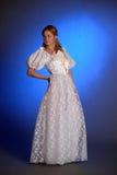 Blonde dans la robe de mariage blanche Photo libre de droits