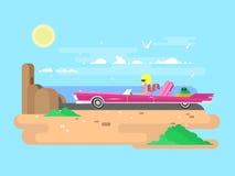 Blonde dans un cabriolet des vacances Photo stock