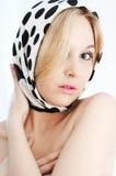 Blonde de beauté dans des couleurs douces Photo stock