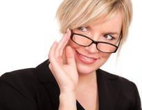Blonde de sorriso com eyeglasses imagens de stock royalty free
