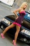 Blonde de voiture de sport photographie stock libre de droits