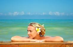 Blonde em Havaí Imagem de Stock Royalty Free