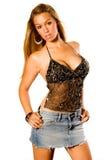 Blonde en tapa negra atractiva foto de archivo libre de regalías