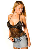 Blonde en tapa negra atractiva imagen de archivo