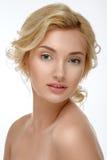 Blonde encantador con la piel limpia Piel suave fotos de archivo