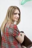 blonde ernste Frau mit dem langen Haar Stockfotos