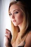 Blonde erwachsene Frau Lizenzfreie Stockfotos
