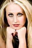 Blonde et œil bleu Image libre de droits