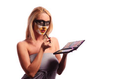 Blonde Frau arbeiten Verfassung um Stockfotos