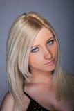 Blonde Frau der jungen Frau Stockfotos