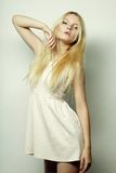 Blonde Frau der jungen Mode Lizenzfreies Stockbild
