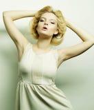 Blonde Frau der jungen Mode Lizenzfreie Stockfotos