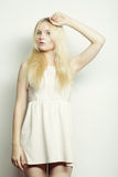Blonde Frau der jungen Mode Lizenzfreies Stockfoto