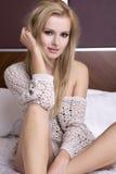 Blonde Frau der jungen Sinnlichkeit Stockfoto