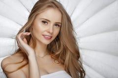 Blonde Frau der schönen Mode Lizenzfreie Stockfotos