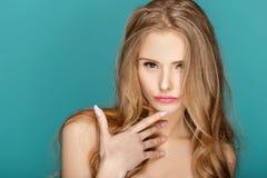Blonde Frau der schönen Mode Lizenzfreie Stockbilder