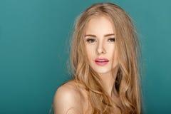Blonde Frau der schönen Mode Stockfotos
