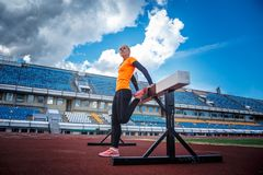Blonde Frau in der Sportkleidung Lizenzfreie Stockfotografie