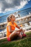 Blonde Frau in der Sportkleidung Lizenzfreie Stockfotos