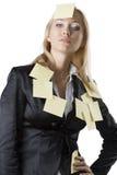 Blonde Frau des Geschäfts mit der Hand auf der Hüfte Lizenzfreies Stockfoto