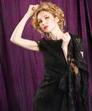 Blonde Frau des Zaubers Stockfotografie