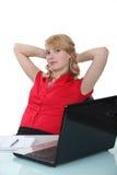 Blonde Frau, die einen Bruch nimmt Lizenzfreies Stockfoto