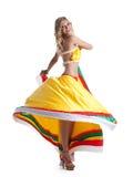 Blonde Frau, die mexikanischen Tanz durchführt Lizenzfreie Stockbilder