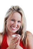Blonde Frau erregt über einen großen Diamanten Lizenzfreies Stockfoto