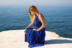 Blonde Frau im Blau Lizenzfreie Stockfotografie