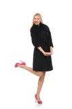 Blonde Frau im Scharlachrot Kleid lokalisiert auf Weiß Lizenzfreie Stockfotos