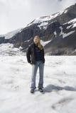 Blonde Frau im Schnee Lizenzfreies Stockfoto