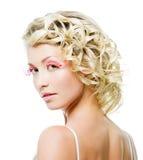 Blonde Frau mit Art und Weiseverfassung Stockbild