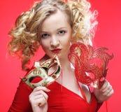 Blonde Frau mit carniv Lizenzfreie Stockfotos