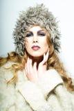Blonde Frau mit dem lockigen Haar Stockfotos