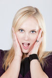 Blonde Frau mit geöffnetem Mund, Lizenzfreies Stockfoto