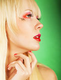 Blonde Frau mit hellem Make-up Stockbild