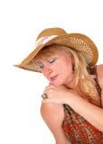 Blonde Frau mit Modehut Stockfoto