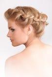 Blonde Frau mit Modemake-up und -frisur Lizenzfreie Stockfotos