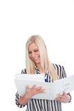 Blonde Frau mit offener Mappe Stockbild