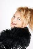 Blonde Frau mit Pelz Lizenzfreie Stockbilder