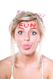 Blonde Frau mit rosafarbenem Bogen Lizenzfreies Stockbild