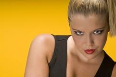 Blonde Frau mit rotem Lippenstift Lizenzfreies Stockfoto